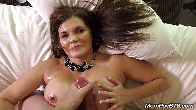 Amy film porno enceinte Reid est un peu enjouée