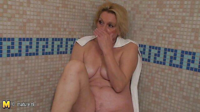 Scène drôle pendant le tournage porno baise sa fille enceinte