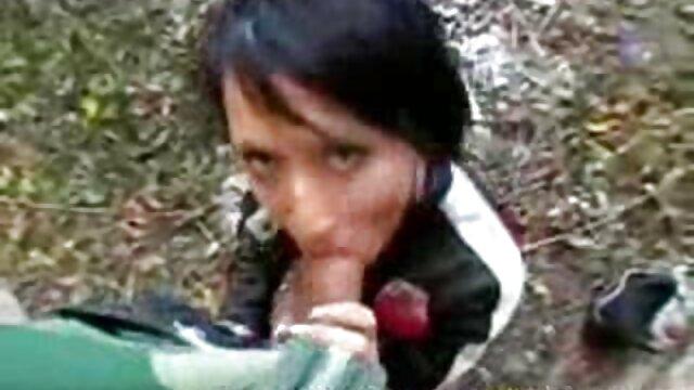Deux enfants se nourrissent porno une femme enceinte de baisers
