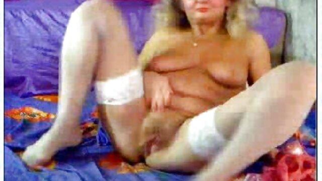 Lizochka aime être au top femme enceinte se fait baiser